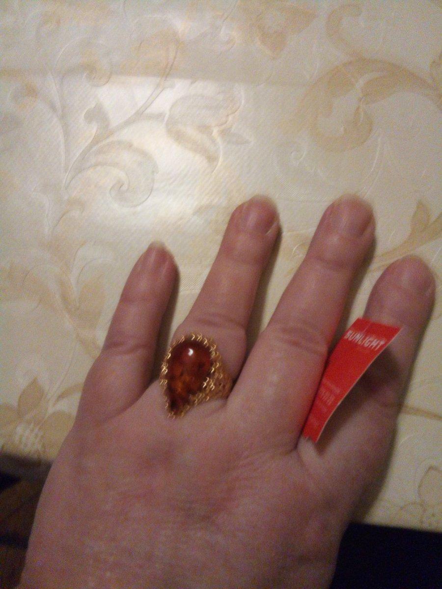Перстень с янтарём-капелькой в серебре 925°с позолотой