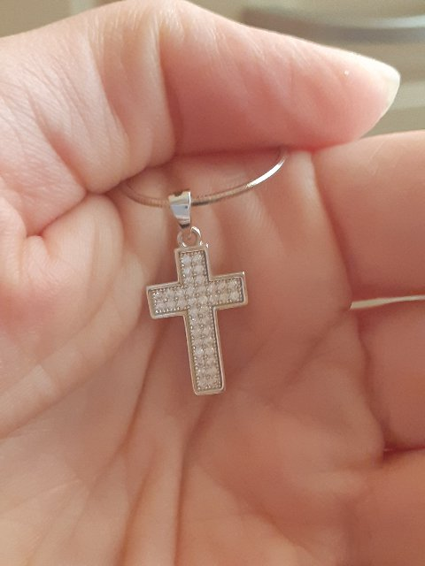 Крест с фианитами.