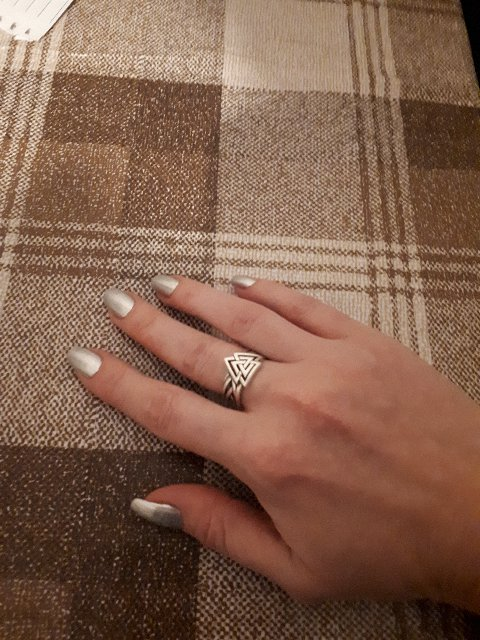 Валькнут кольцо