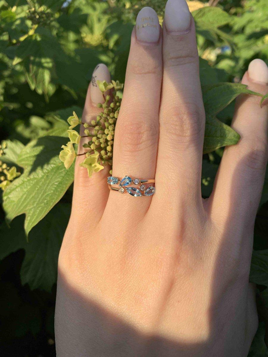 Кольцо с россыпью небесных камней