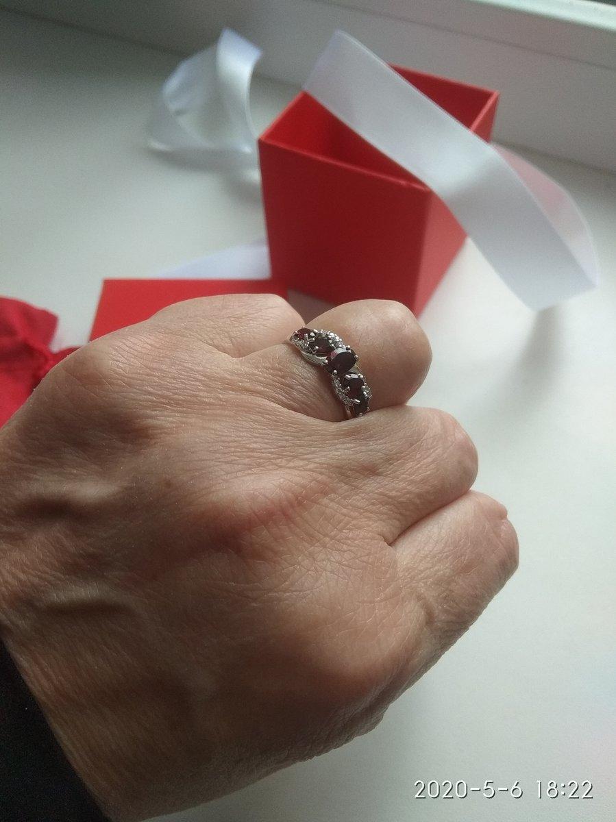 Кольцо красивое, пришло в срок, доставили домой. Жаль, что кольцо без пробы