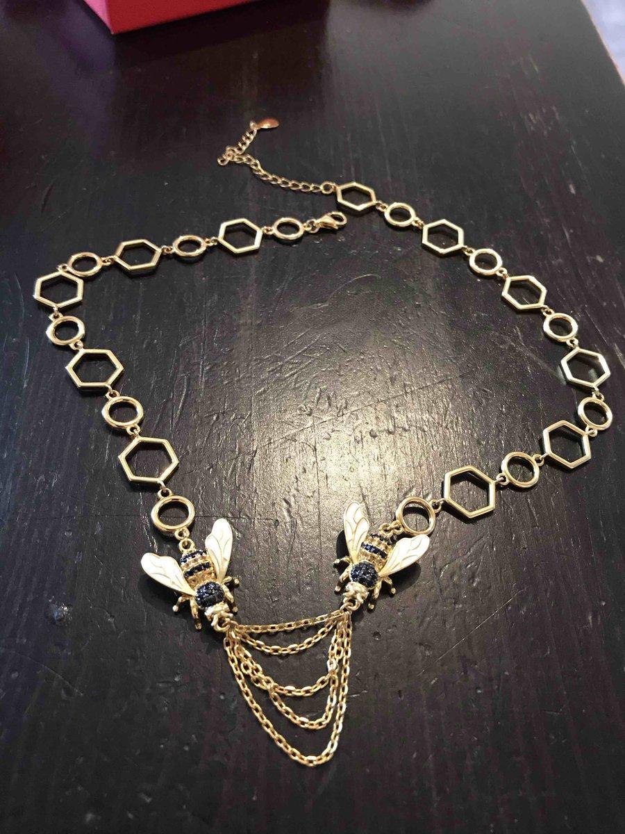 Увидела это ожерелье в магазине и просто не смогла пройти мимо