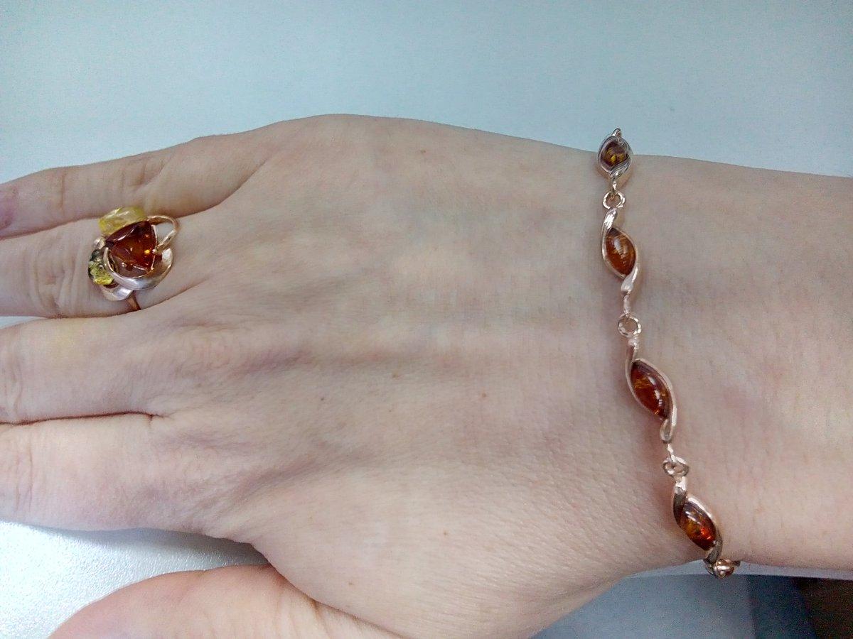 Шикарный гарнитур: серьги, кольцо и браслет!