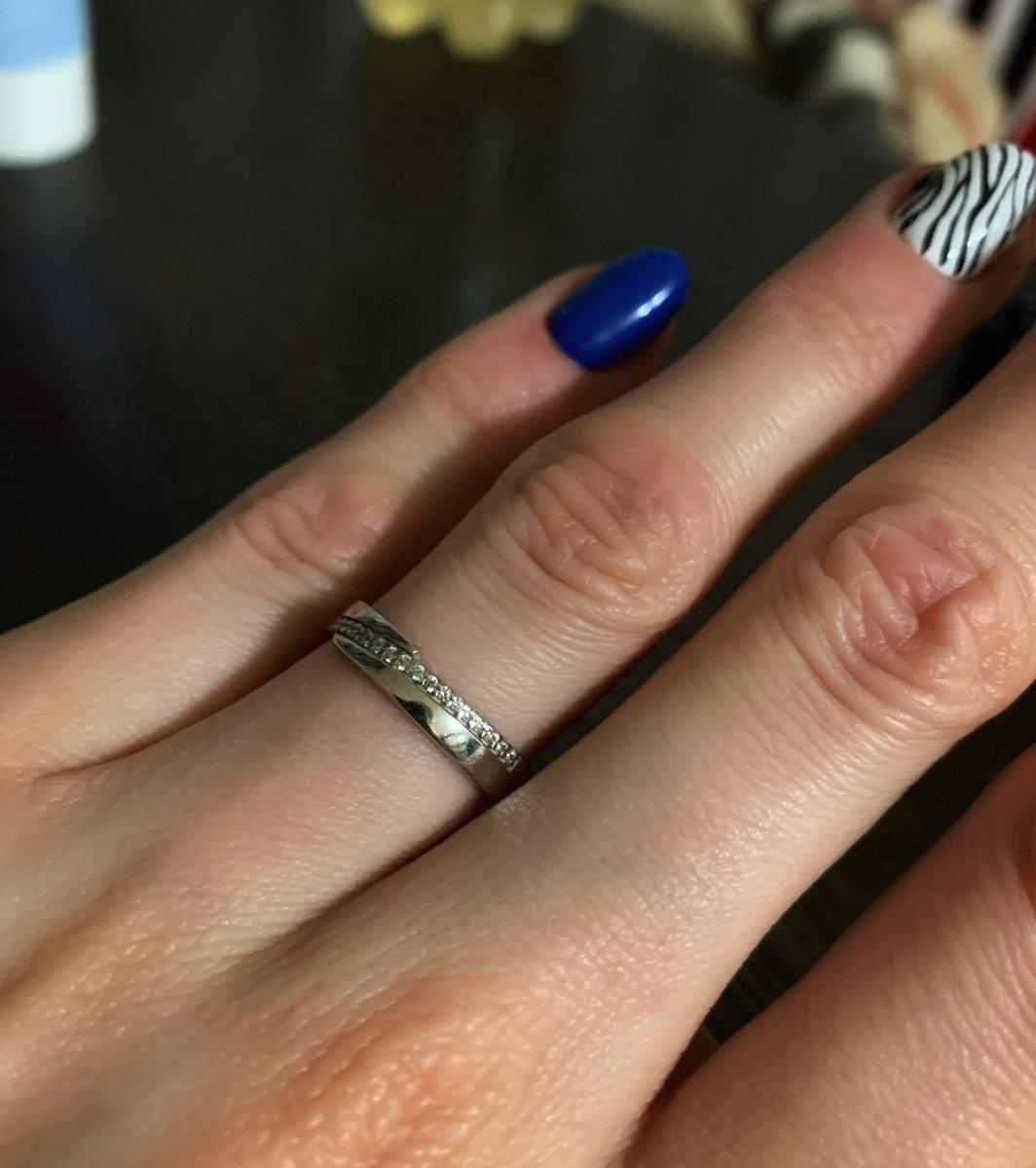 Очень милое,красивое кольцо.