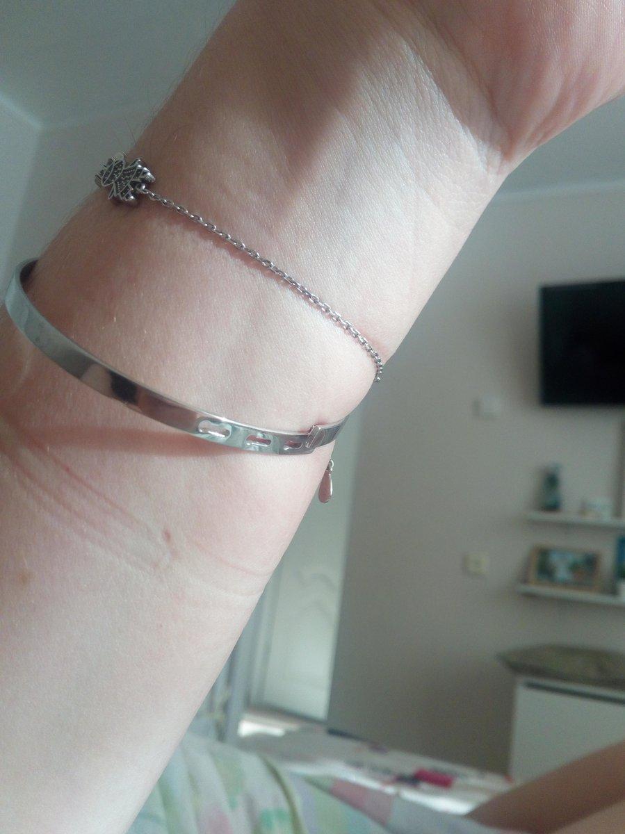 Просто чудесный серебряный браслет!Смотрится шикарно!я в него влюблена!