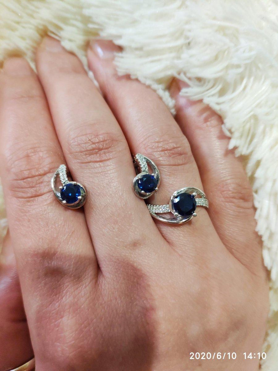 Серебряные серьги и кольцо с сапфиром и фианитами