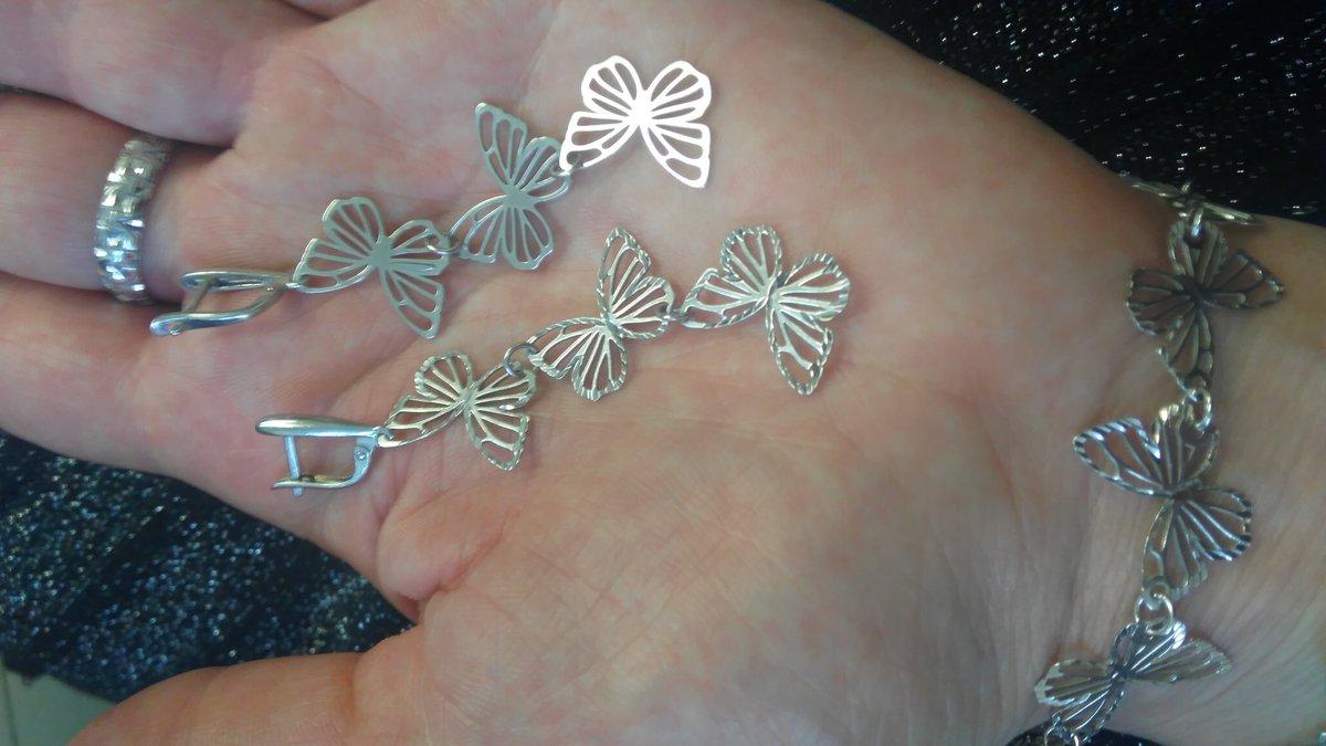 Серебряные длинные серьги с бабочками