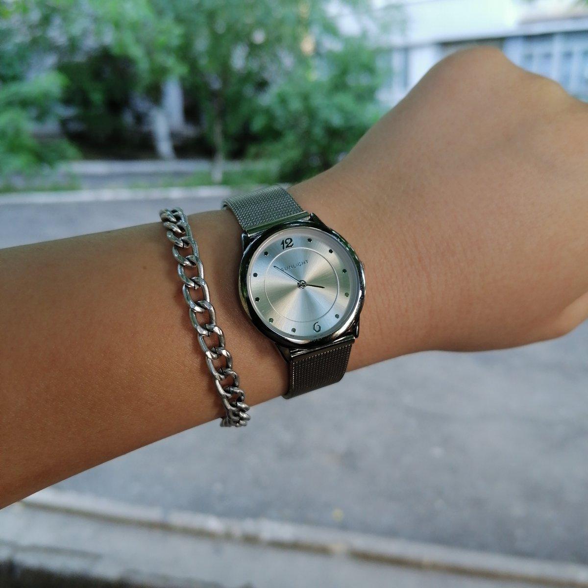 Часы на миланском браслете