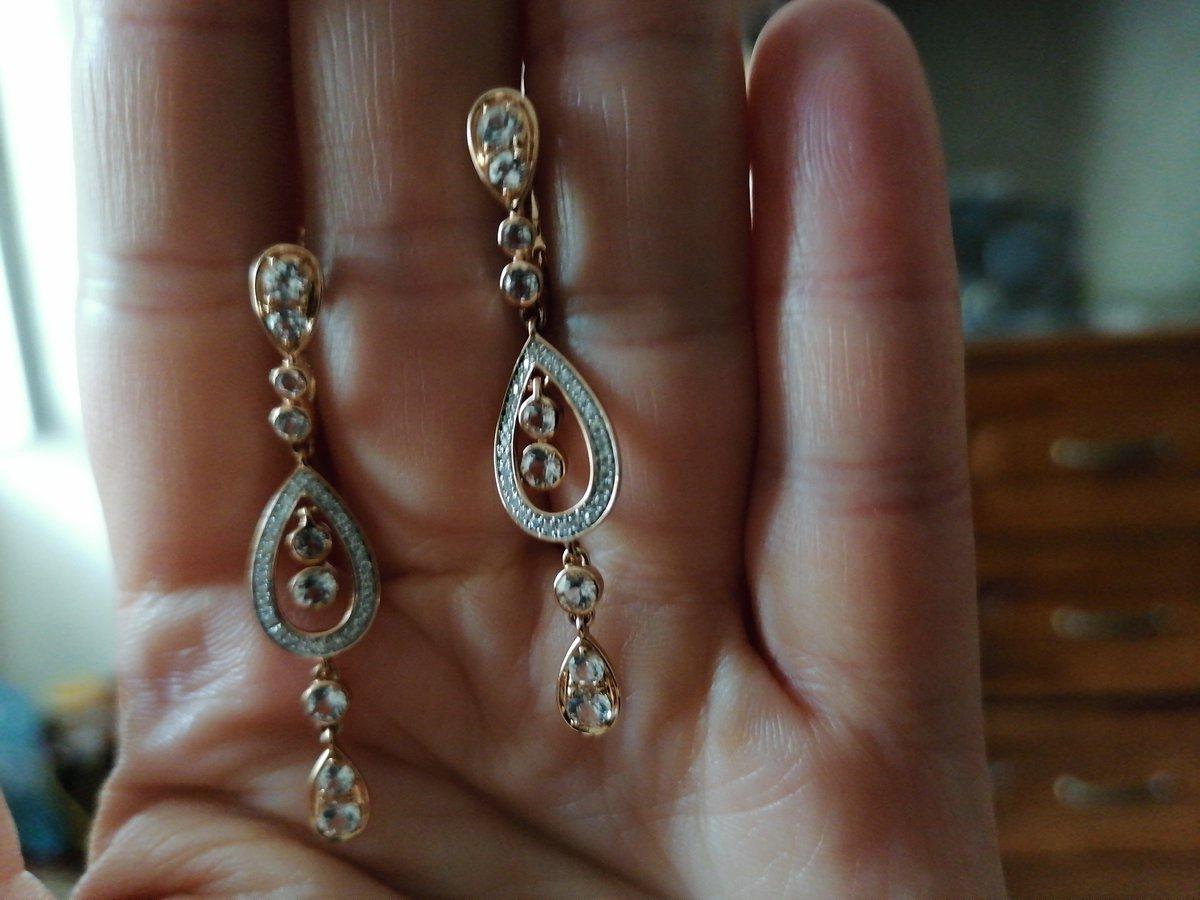 Золотые серьги с топазами и бриллиантами