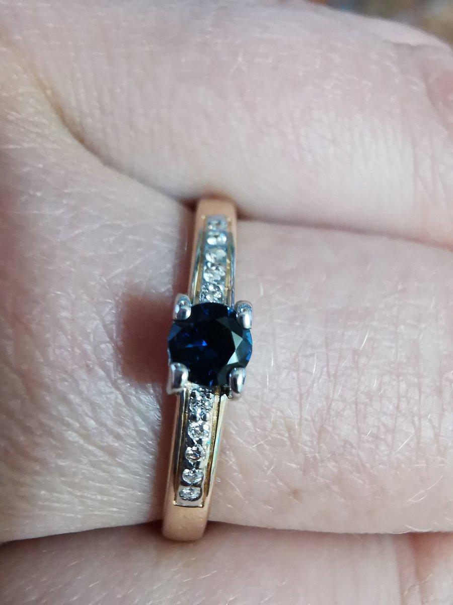 Изящное кольцо, ничего лишнего