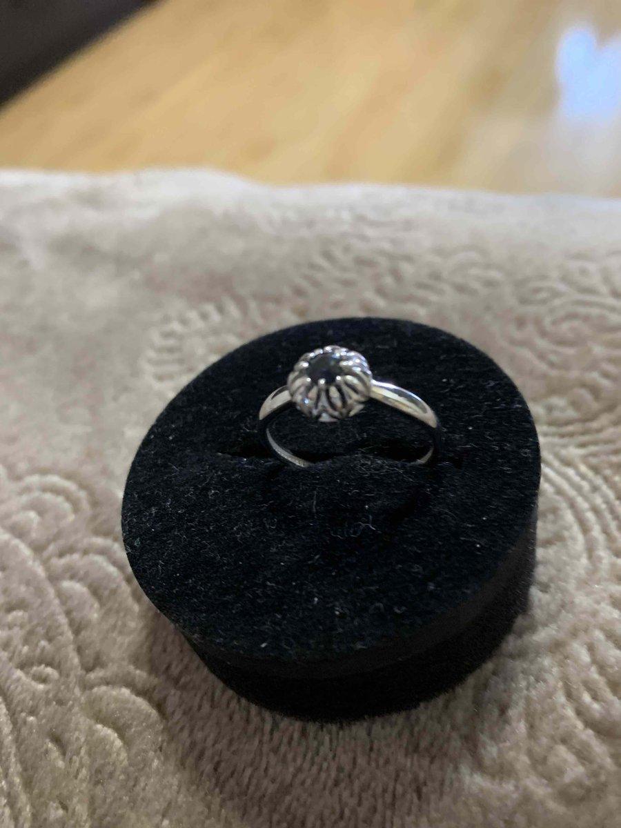 Стильное кольцо классического дизайна