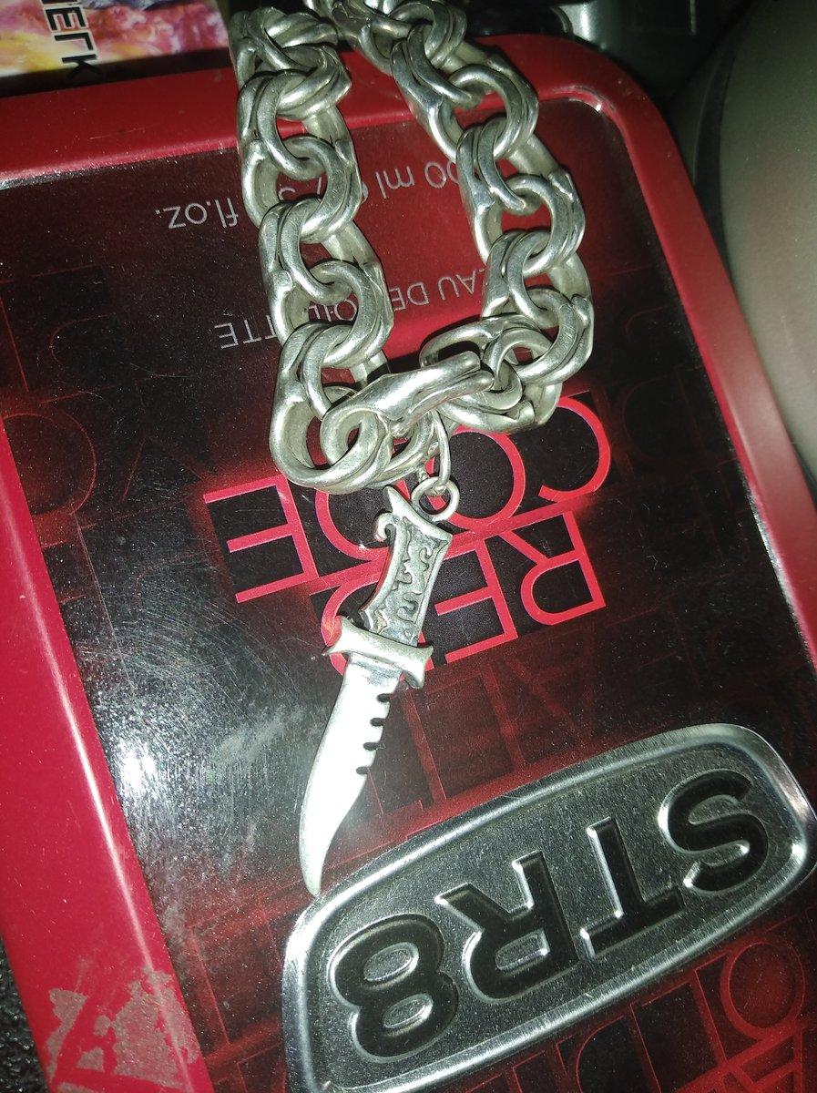 Супер ножичек,мужу понравился повесили на браслет!смотрится оригинально!