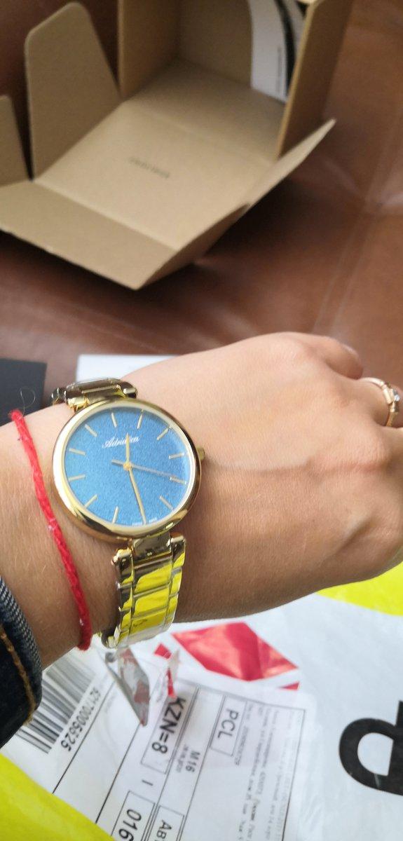 Часы, украшения и аксессуар для девушек и женщин.