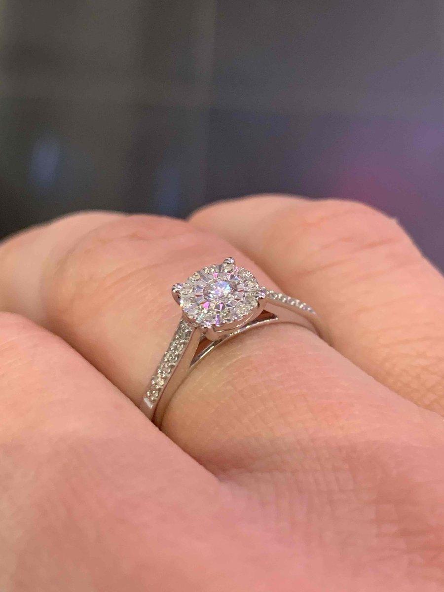 Отзыв на золотое кольцо с бриллиантами.