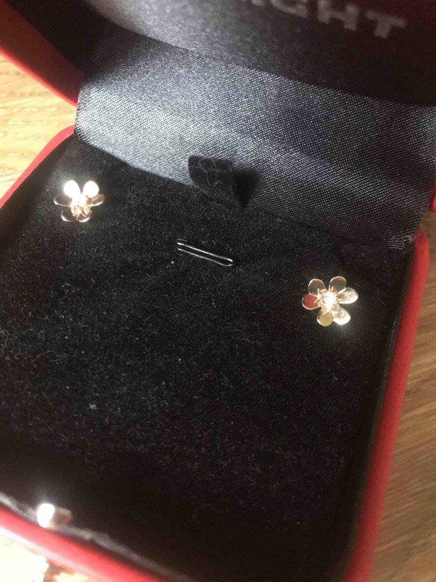 Золотые серьги-цветы с фианитами