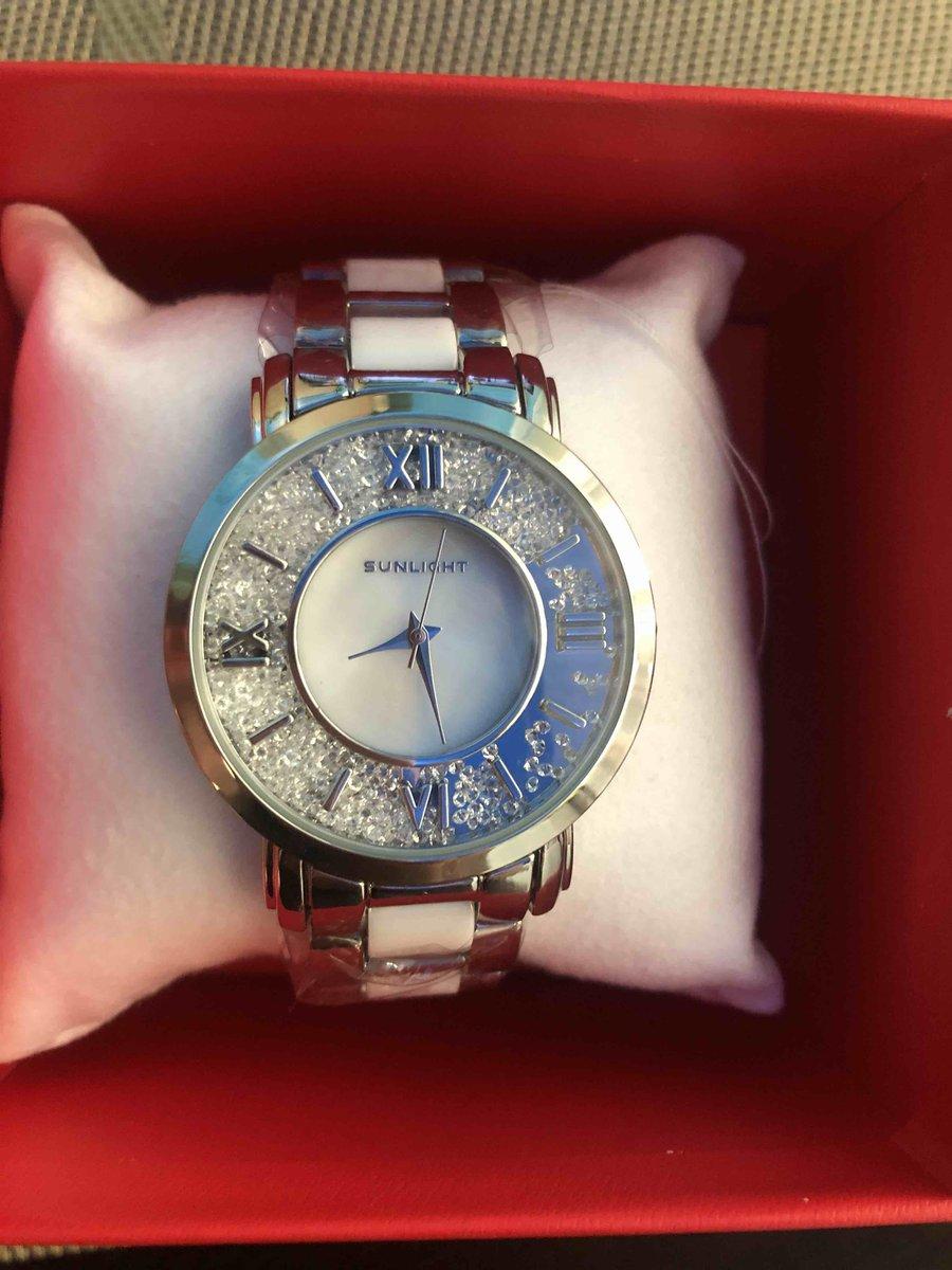 Часы с добавлением белой керамики в браслете