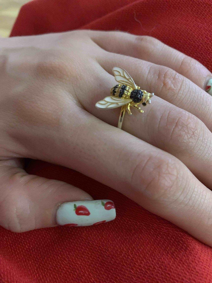 Яркие летние пчелы