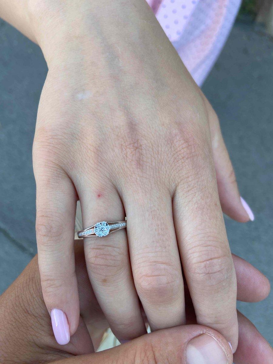 Кольцо для помолвкиШикарный выбор!