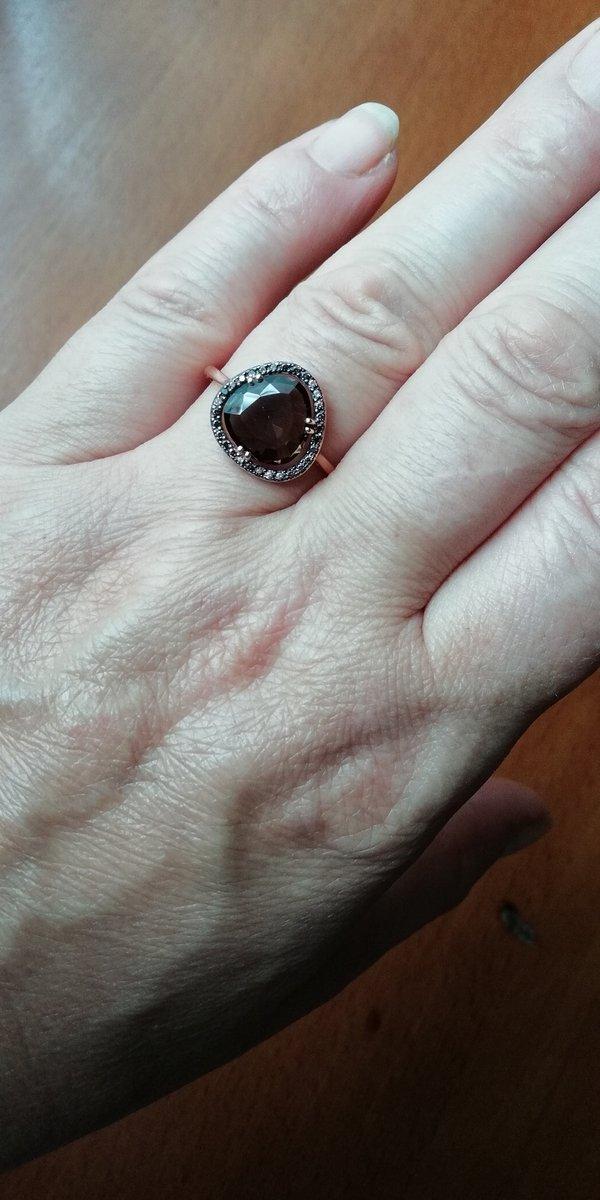 Кольцо золотое сраухтопазом