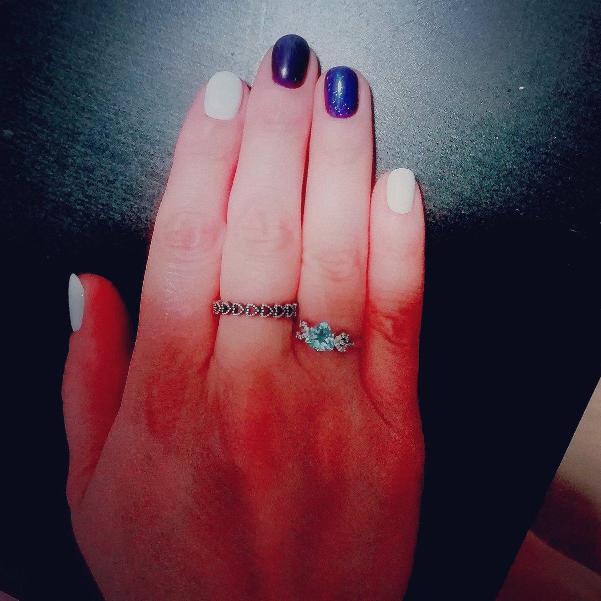 Кольцо очень красивое)