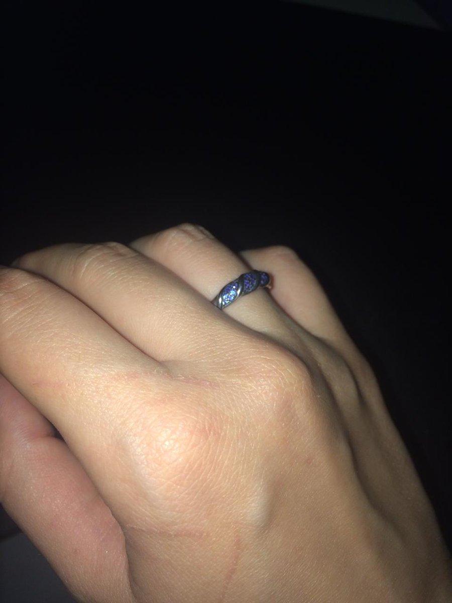 Кольцо серебренное с фионитами