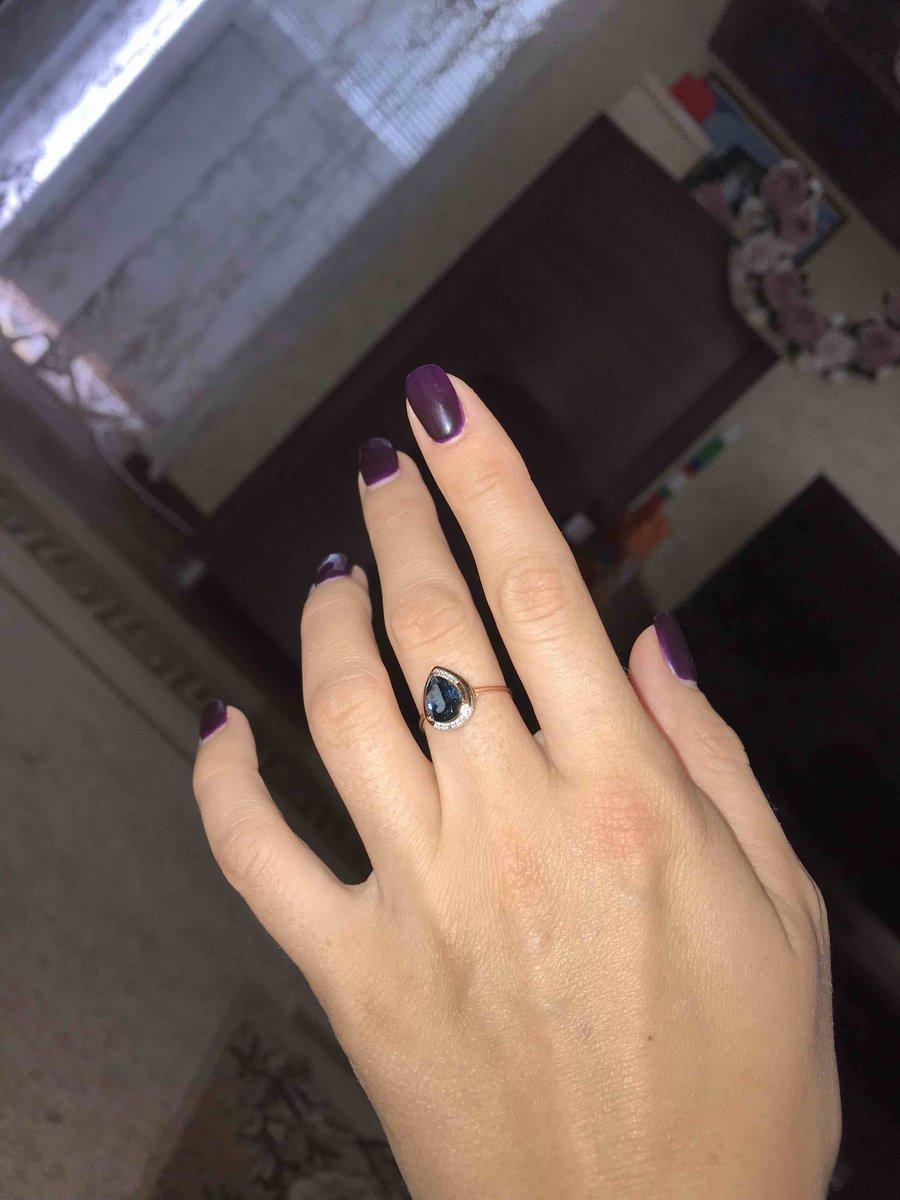 Золотое кольцо и лондон-топазом и бриллиантами