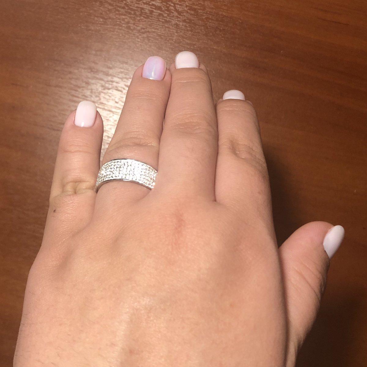Прекрасное кольцо, размер 20