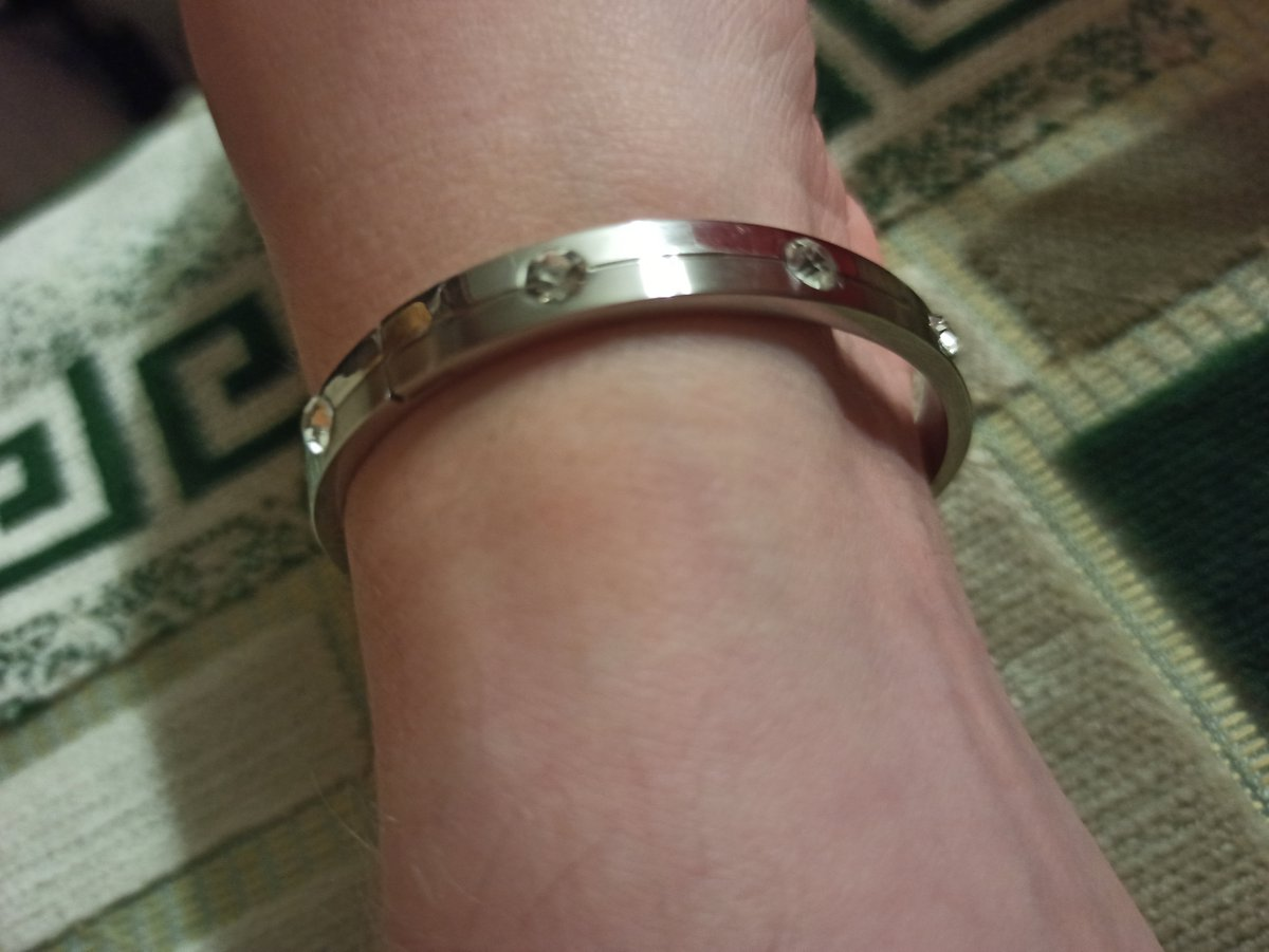 С сентября смотрела на этот браслет и все таки решила его купить