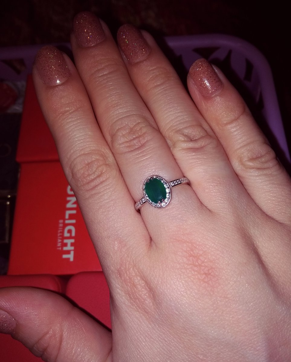 Красивое кольцо по доступной цене