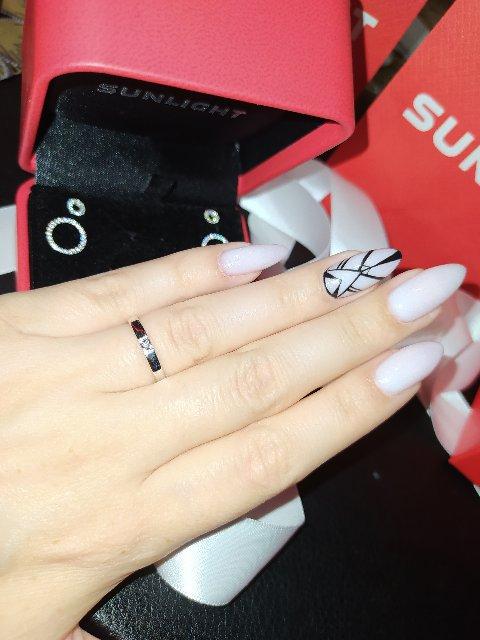 Аккуратное,красивое кольцо