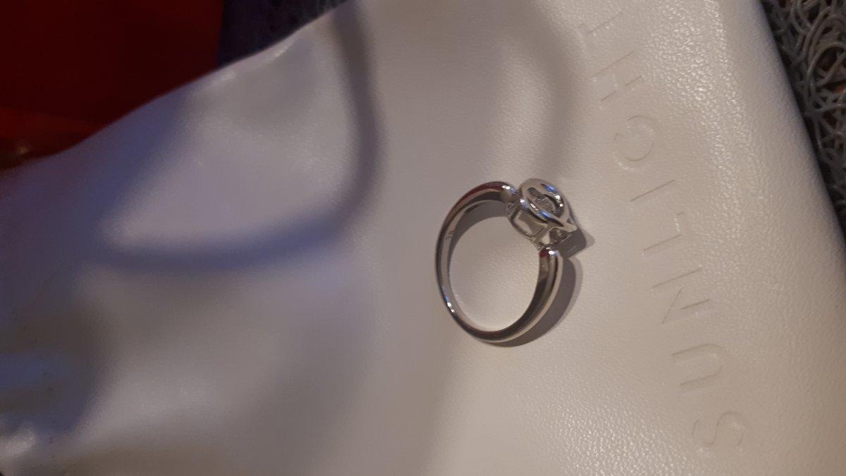 Легкое красивое кольцо