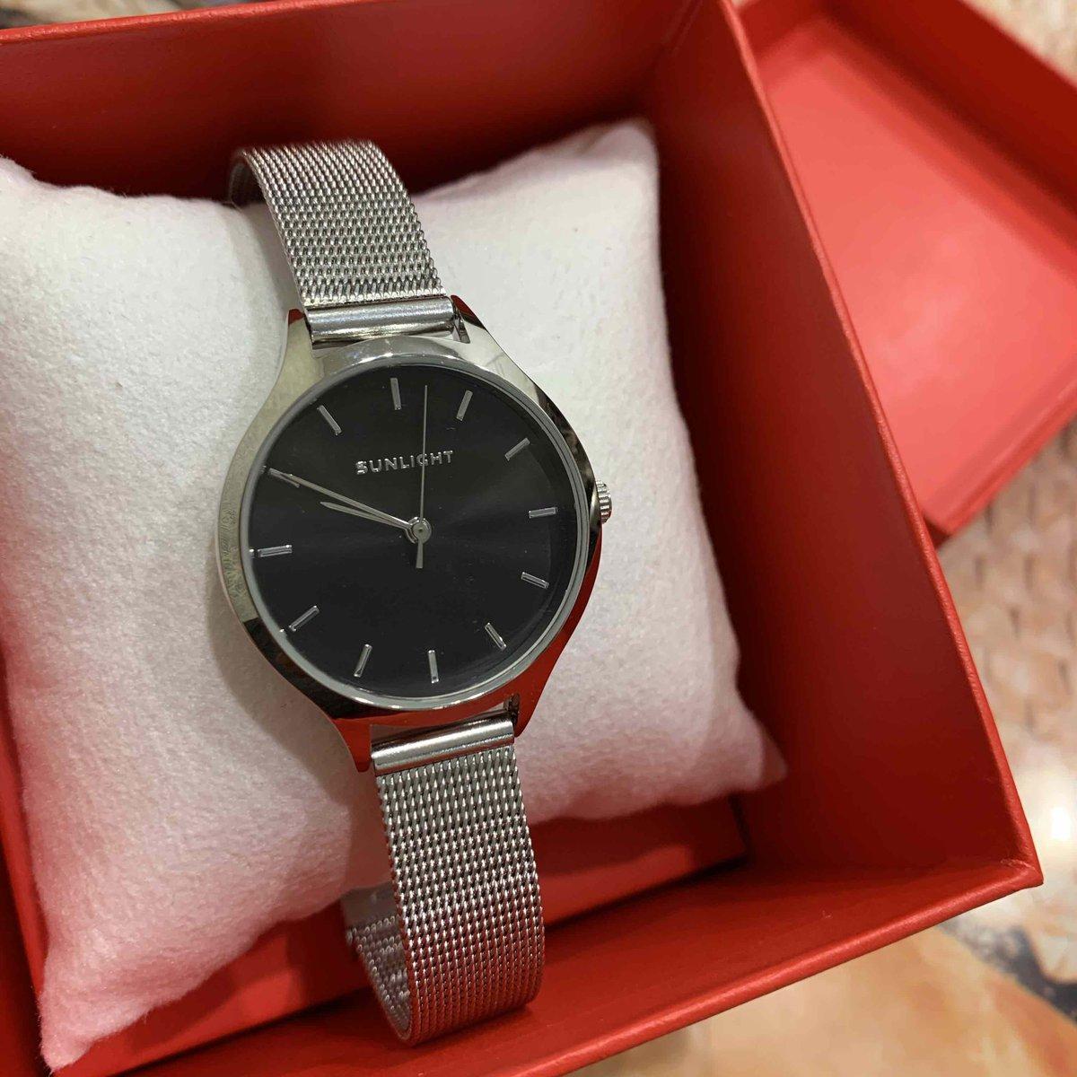 Хорошенькие часы по очень привлекательной цене