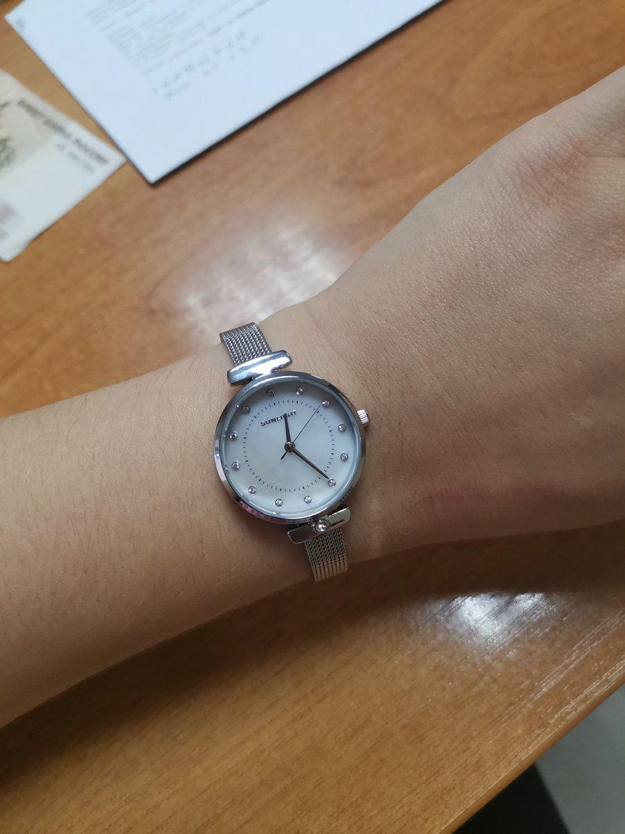 Очень Крутые 😍нежные часы. Прекрасно 👌 сочетаются с любым нарядом 😎