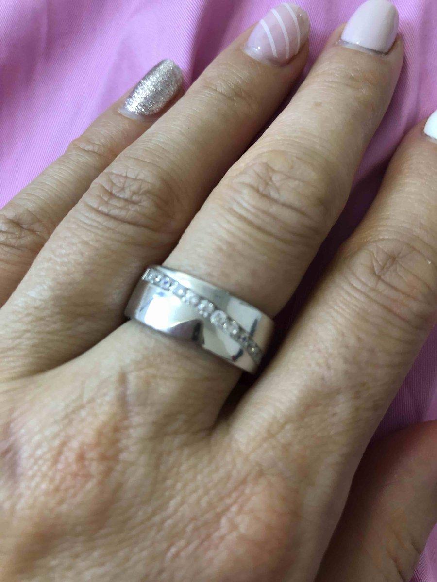 Крупное серебряное кольцо с фианитами