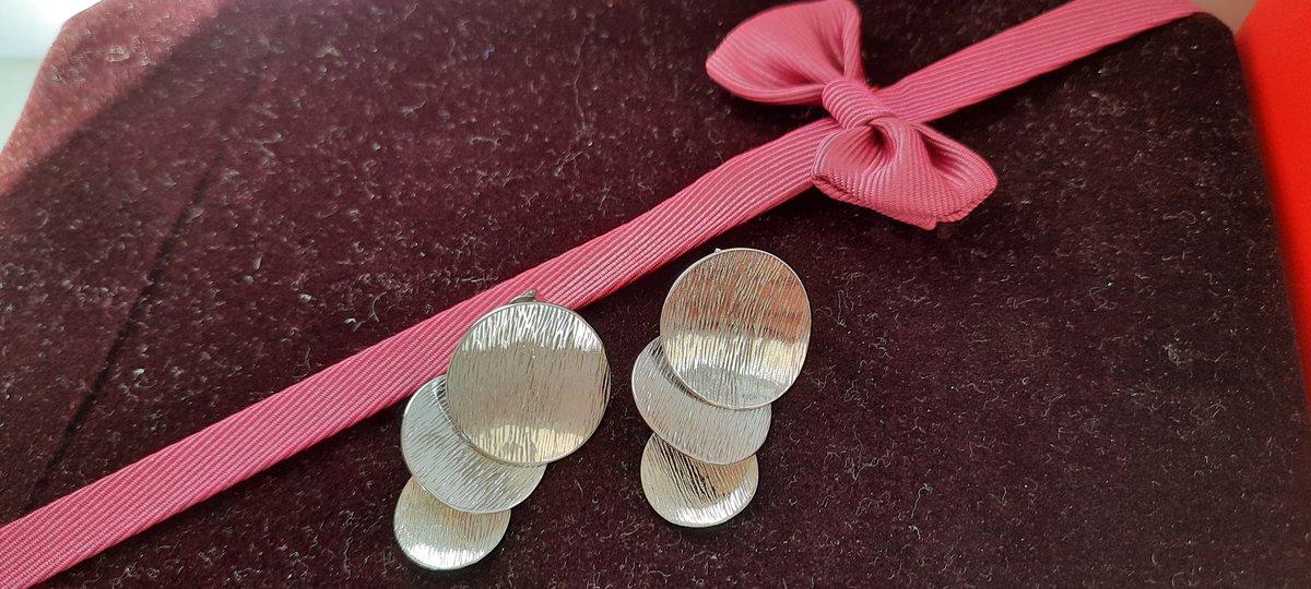 Стильный серьги из серебра
