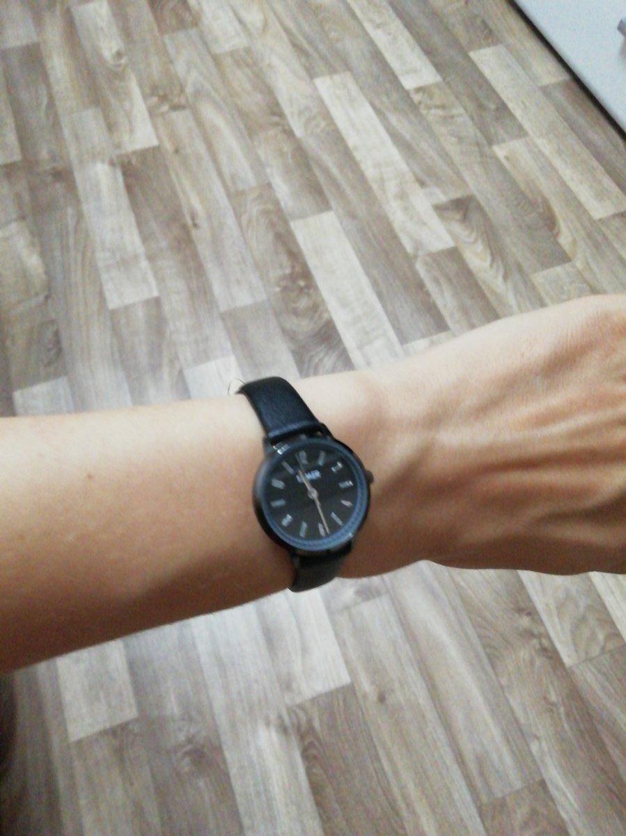Чёрные часы TAMER