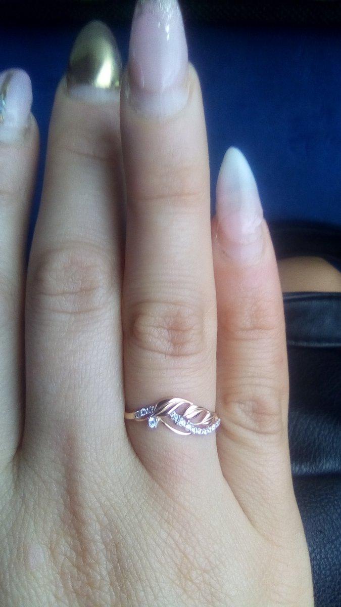 Кольцо идеально смотрится