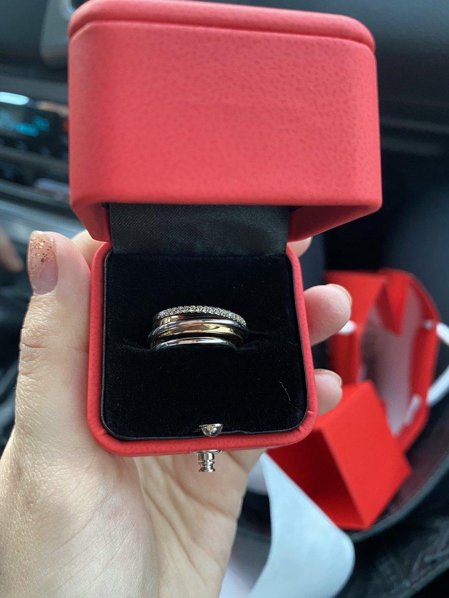 Хорошее кольцо,понравилось,красивое)