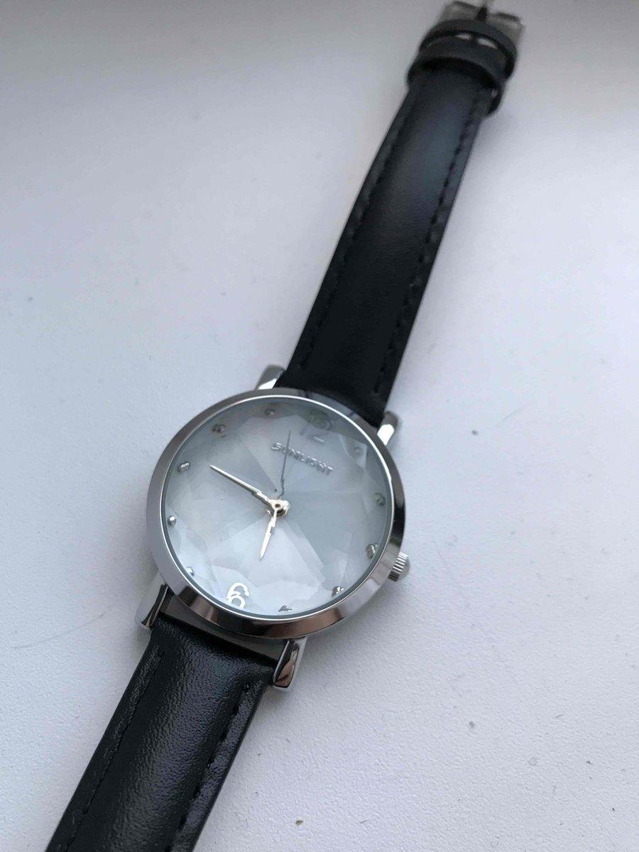 Долго выбирала часы