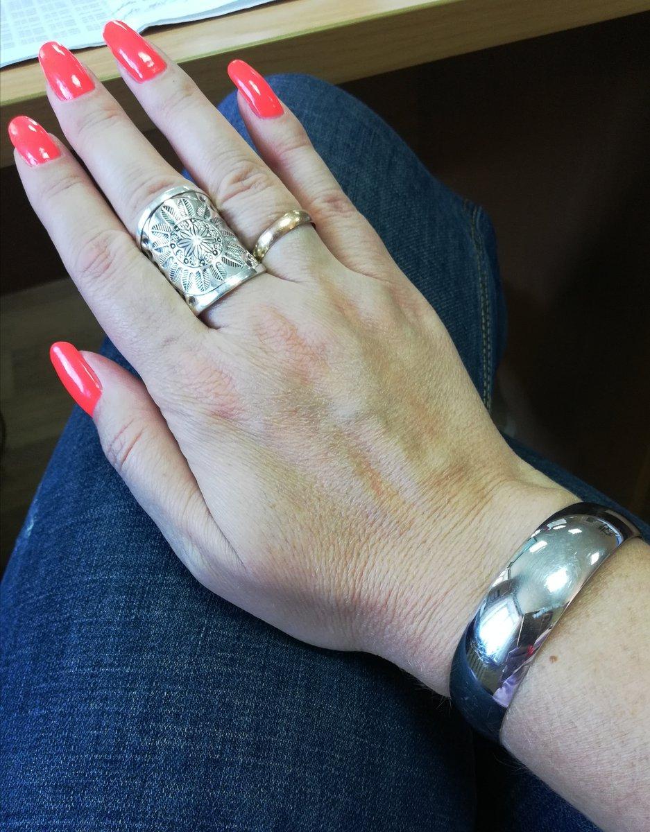 Стильный перстень.