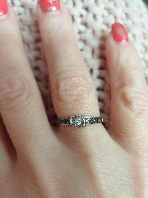 Королевское кольцо из белого золота