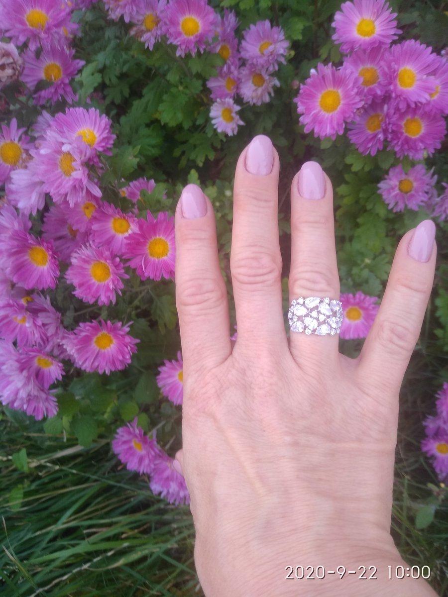 Мои подарок на день моего рождения. в сочетании с кольцом смотрится классно