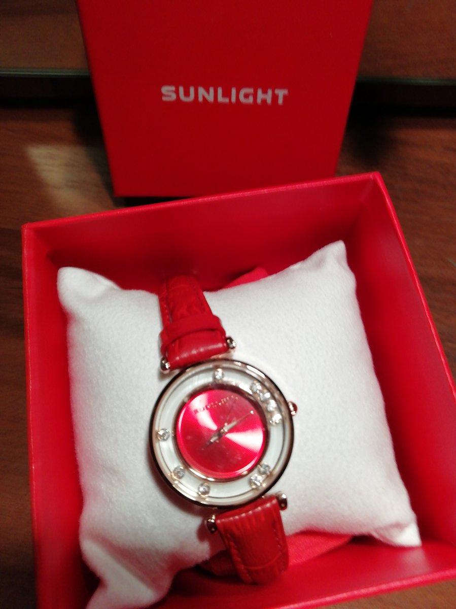 Часы женские наручные, очень красивые, смотрятся как красивый браслет.