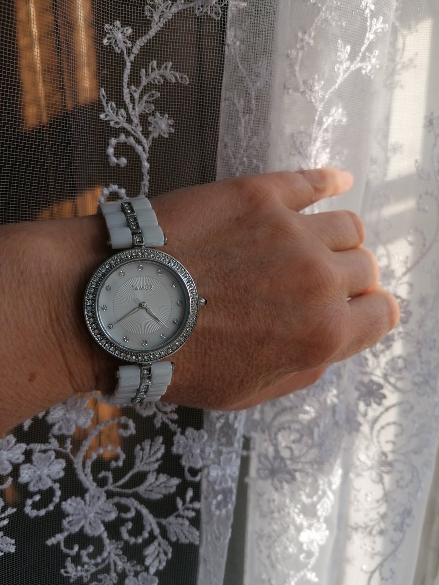 Часы электронные. оригинальные женские часы по доступной цене.