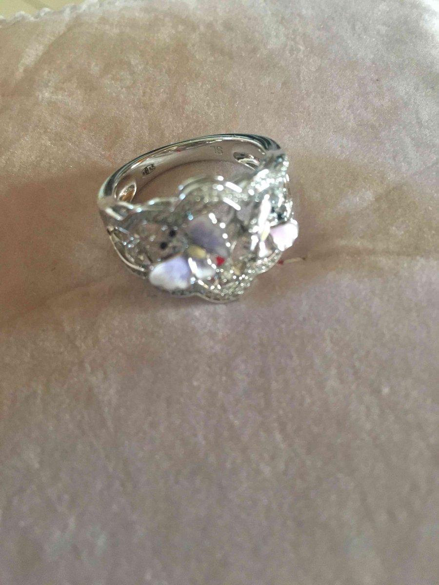 Красивое,красочное кольцо