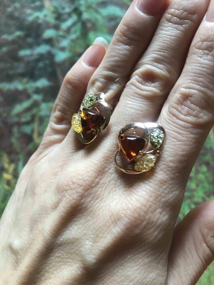Очаровательные сережки с янтарем