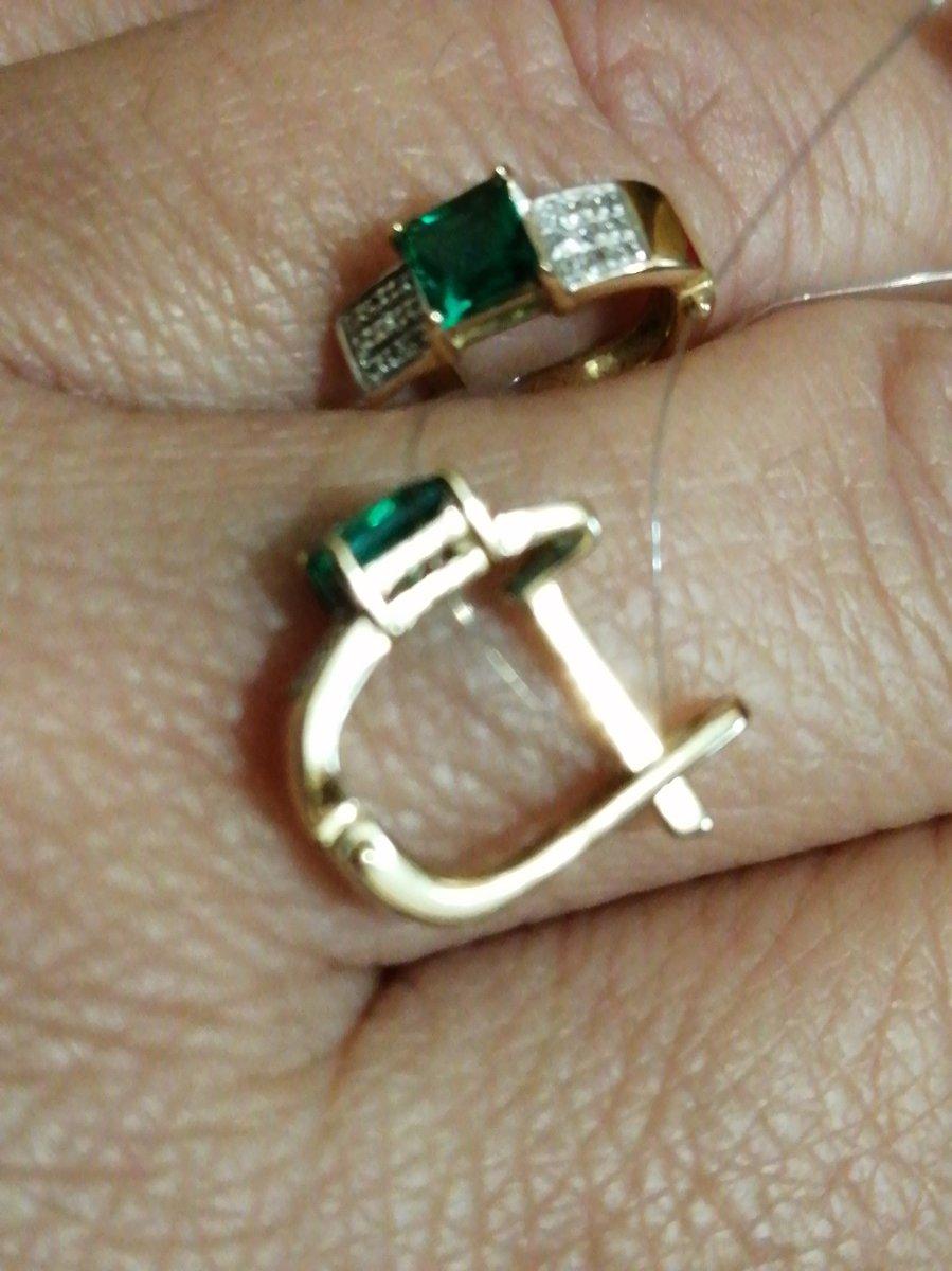 Серьги заказывала в комплекте с кольцом.
