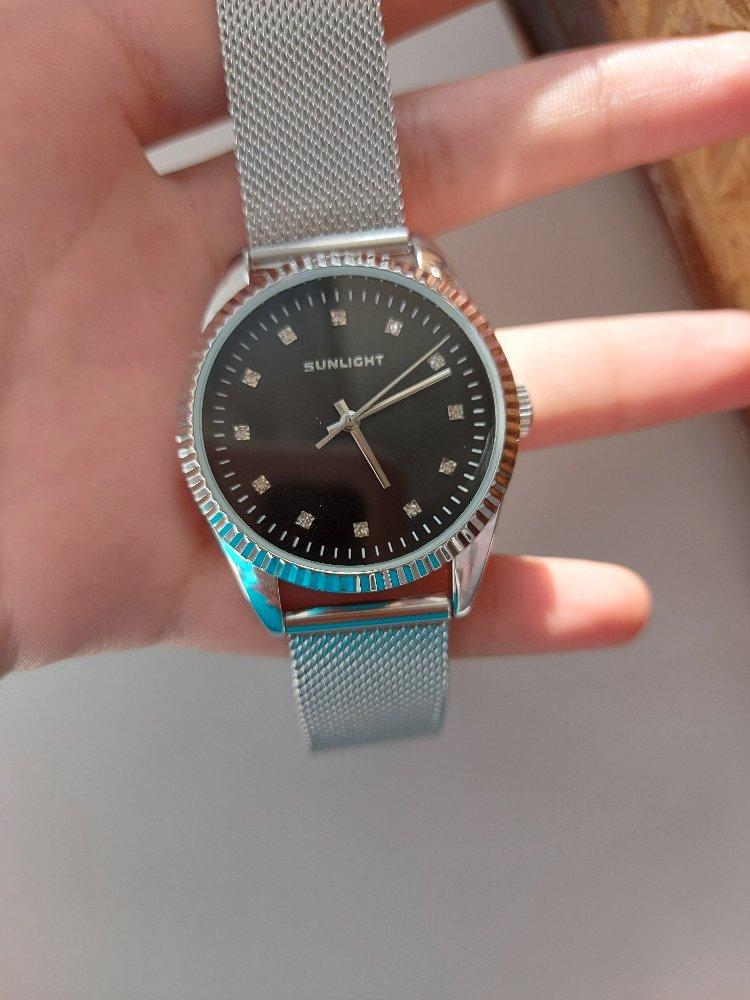 Очень красивые часы, цена отличная!