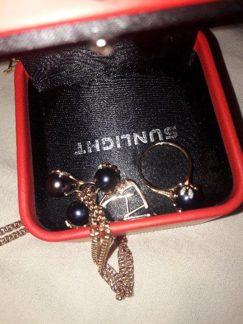 Колечки с бриллиантами, собрала набор из черного жемчуга. подвеска, сережки