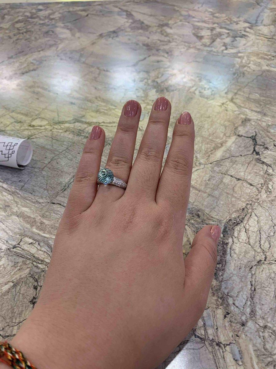 Серебряное кольцо с мелкими фианитами и голубым ювелирным стеклом